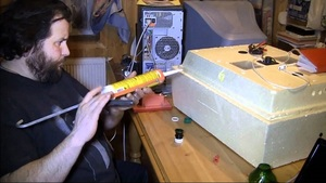 Описание способа изготовления своими руками инкубатора из пенопласта для перепелов